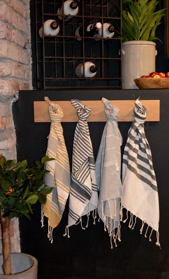 DSC 0359 1 570x937 - Kjøkkenhåndkle - Sennep og grå