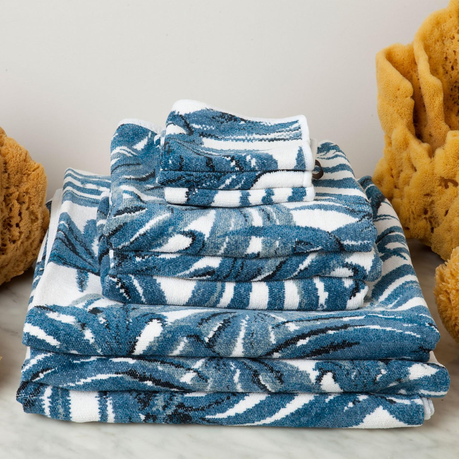 palmeral towel gift set white azure 2 - Håndkle - Palmeral, hvit/blå