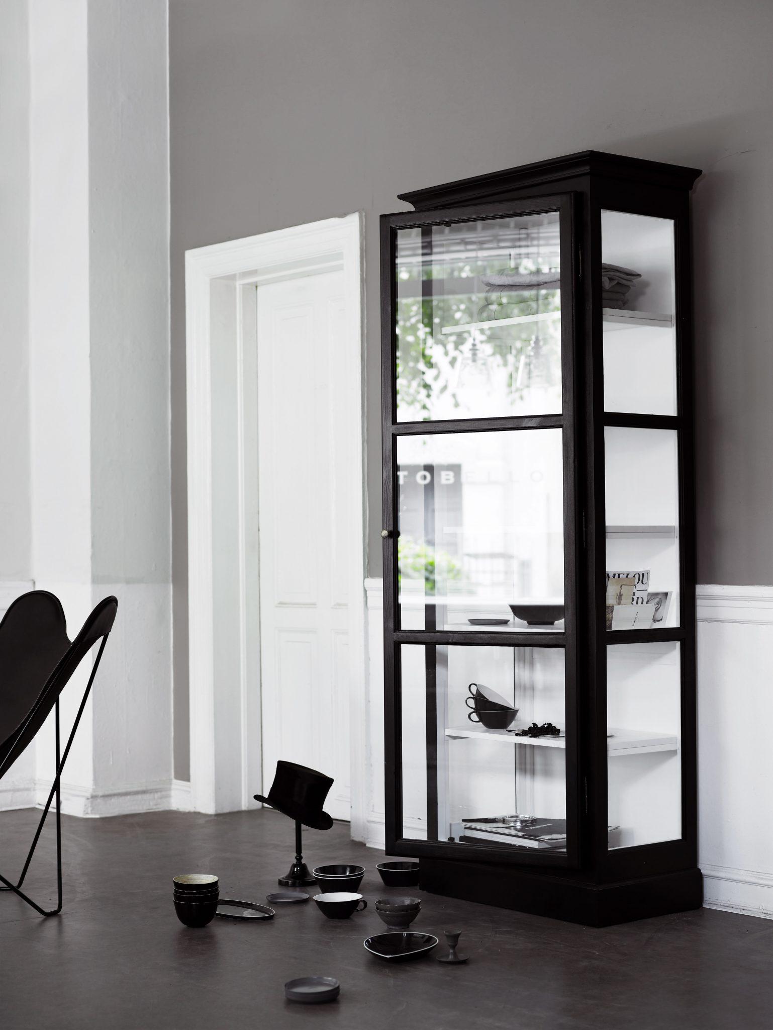 v1 black kopper - Vitrineskap - Mod. V1
