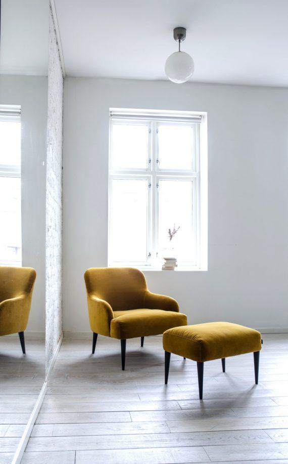 S Lounge Vika Ritz guld 03 570x917 - Vika loungestol