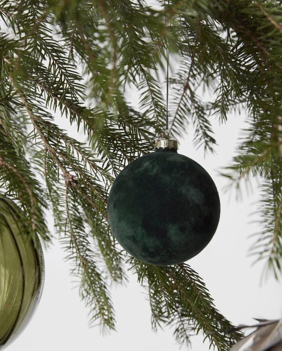 hd aw17 gl0820 df 570x708 - Julekule - Grønn velour