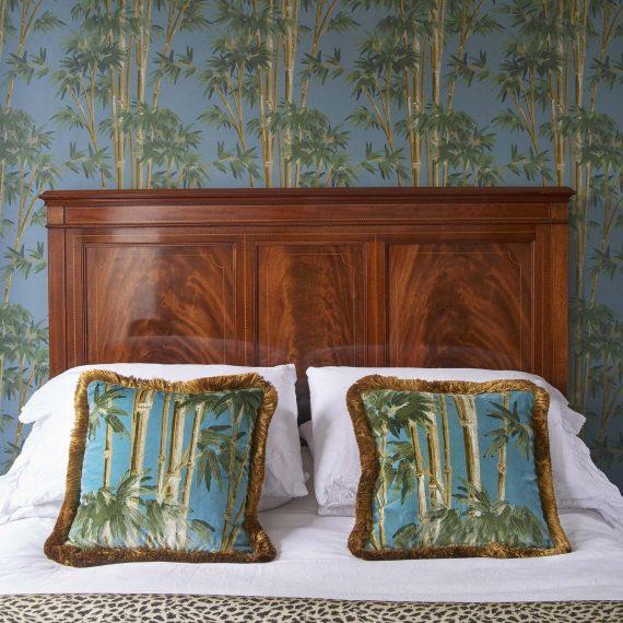 bambusa velvet fringed cushion azure 3 570x570 - Pute - Bambusa, Azure, fringed, House of Hackney
