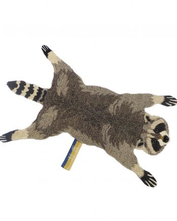 "1.45.10.040.700.5 ROCKY RACOON RUG LARGE WEB 350x435 - Gulvteppe - ""Rocky racoon"""