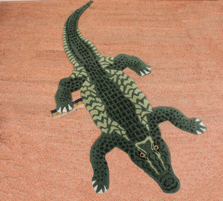 "CROCODILE RUG LARGE WEB e1561618489243 920x829 - Gulvteppe ""Coolio crocodile"""