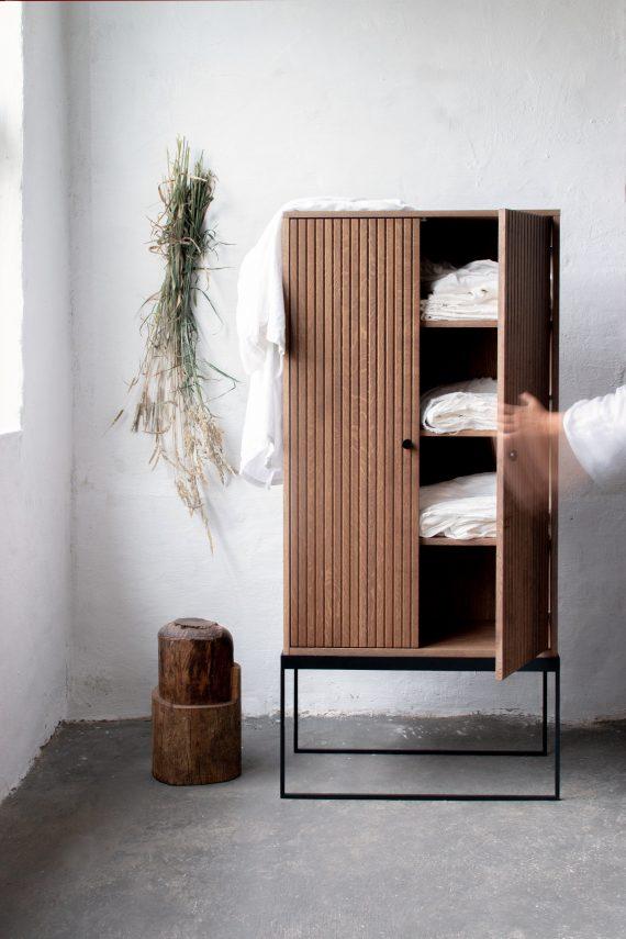 S Storage Cabinet Dis h168 Grooved ER 02 570x855 - Dis skap 168