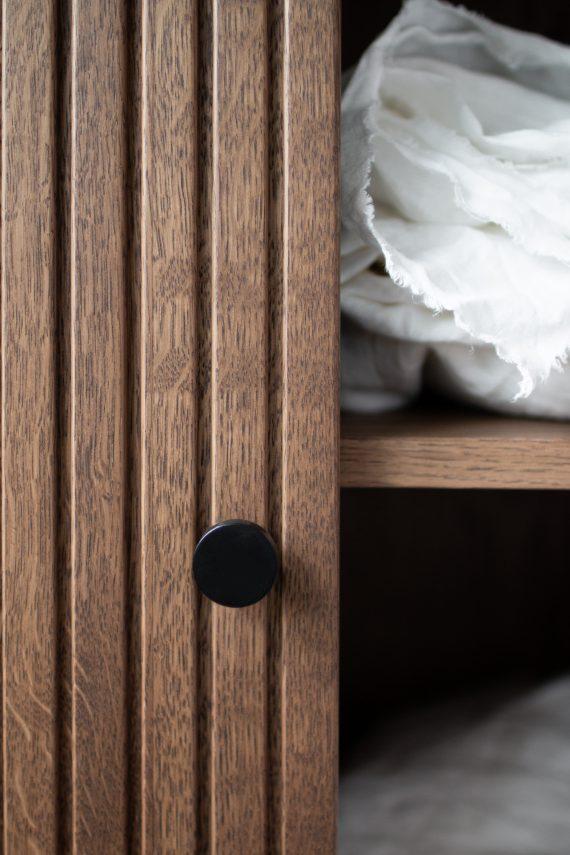 S Storage Cabinet Dis h168 Grooved ER Detail 03 570x855 - Dis skap 168
