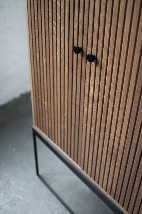 S Storage Cabinet Dis h168 Grooved ER Detail 08 570x855 - Dis skap 168