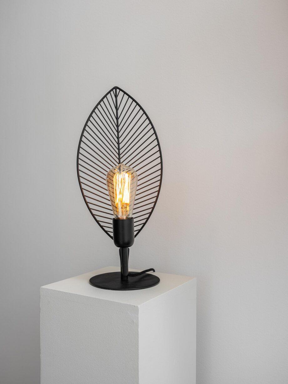"3734203 9 920x1227 - Bordlampe ""Elm""- Svart"